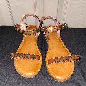 Mia Brown Leather Flat Sandal - size 8